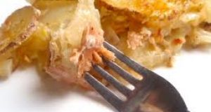 Salmón al horno con patatas