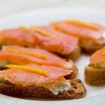Tostas de Salmón y Naranja